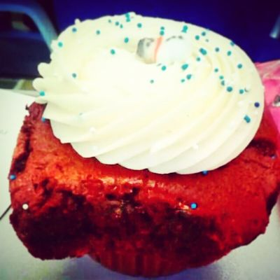 Cupcakes after clusters = bae. Period. Thankyoubutler Clusters Pharmlife Busga Cupcakes Flyingcupcakes