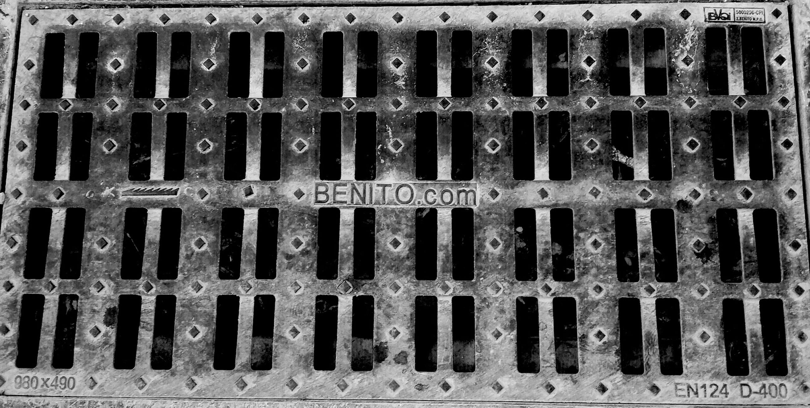 full frame, backgrounds, pattern, metal, close-up, repetition, protection, safety, textured, metallic, security, design, indoors, no people, closed, detail, metal grate, geometric shape, fence, square shape