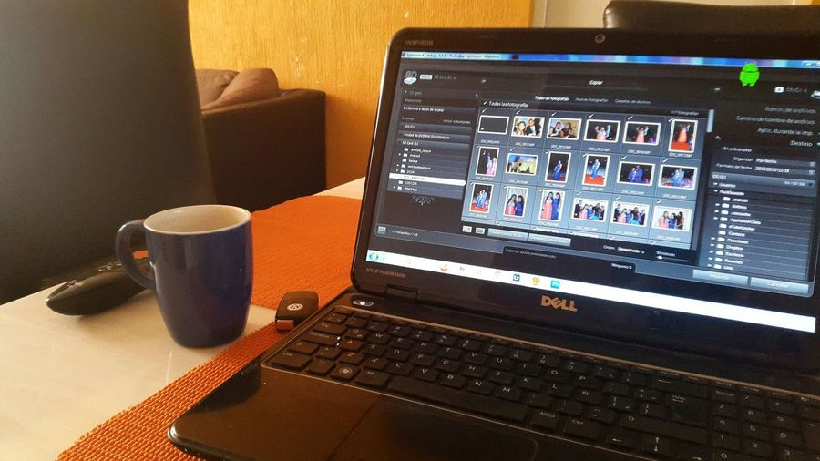 Freelance Life Trabajando en casa! TardeFria Friday Antesdesaliratrabajar DECEMBER2015
