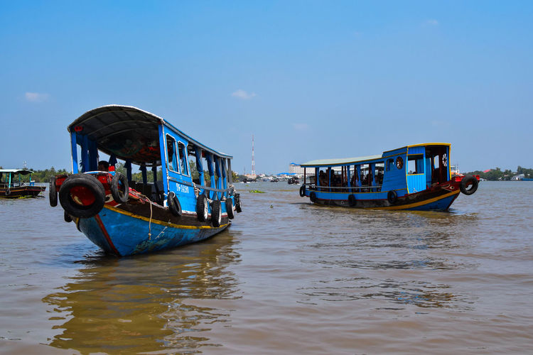 Tourist Attraction  Tourists Cambodia Boats My Tho Light Water Mekong River Mekong Delta