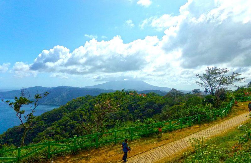 Mirador de catarina , vista al volcan mombacho , Nicaragua Beautiful Nature Beauty In Nature Cloud EyeEm Nature Lover Masaya,Nicaragua Mirador De Catarina Nicaragua Volcan Mombacho