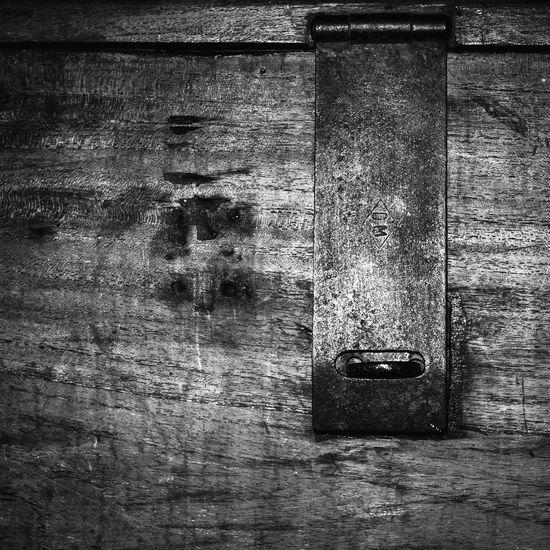 Wood Chest Wooden Chest Chest Lock Blackandwhite Black And White Monochrome EyeEm Best Shots EyeEm Gallery Vintage Furniture