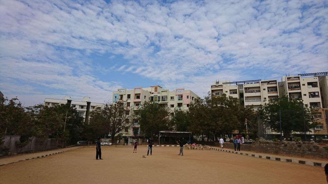 Landscape Capture @ Playtime Adult Adults Only Architecture Building Exterior Built Structure City Cloud - Sky Day Large Group Of People Men Outdoors People Playing Games Real People Sky Sony Xperia Xz Sport Tree Xperian Photography