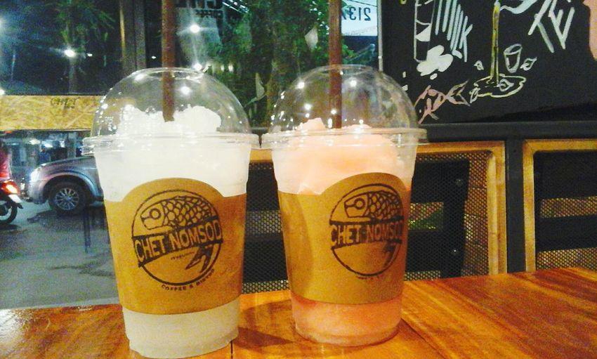 น้ำปั่น นั่งเล่นร้านกาแฟ Iced Coffee