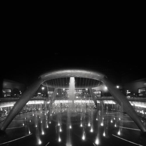 WITHOUTHUE 006 Fountain of Wealth, Suntec City Singapore, 2016 Singapore Blackandwhite Withouthue ShotOnIphone Snapseed