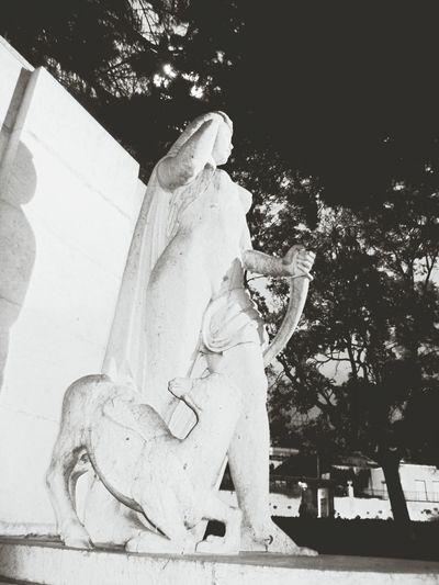 Esculturas Urban Sculpture Hanging Out Street Sculpture Sculpting A Perfect Body