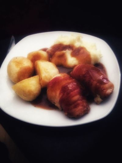 Sunday dinner Sunday Dinner Roast Chicken Dinner Roasted Potatoes Mash Liverpool England Food Stories