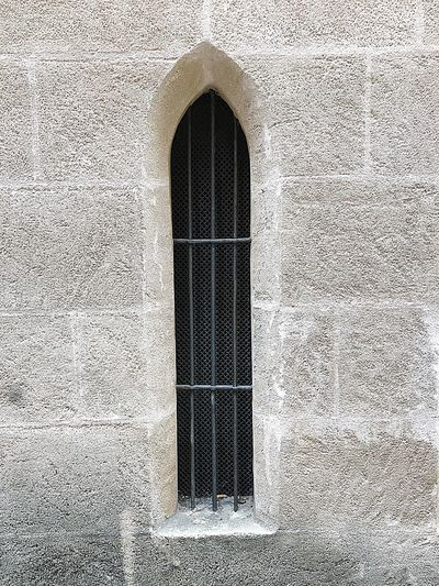 MEFIEVAL WINDOW