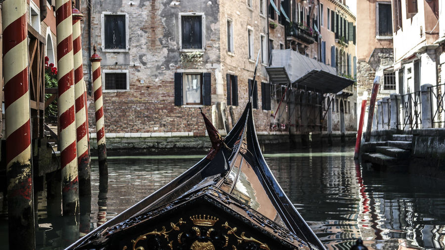 Marcweberde Water Nautical Vessel Building Exterior Built Structure Architecture Canal Transportation Mode Of Transportation Building Gondola - Traditional Boat Waterfront Day Reflection Travel Destinations Nature No People Gondola Outdoors Wooden Post