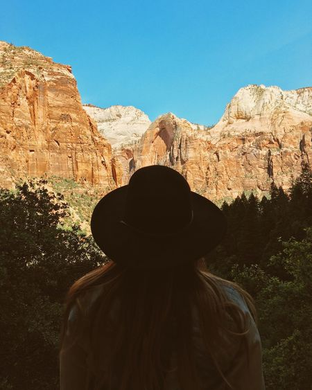 Finding New Frontiers Nature Leisure Activity Outdoors Lifestyles Traveling Road Trip Girl Woman Hat Hiking Women Around The World The Portraitist - 2017 EyeEm Awards The Great Outdoors - 2017 EyeEm Awards Let's Go. Together. The Week On EyeEm International Women's Day 2019