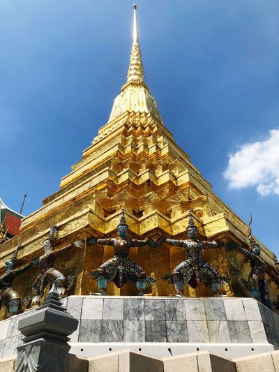 Thai temple Sky
