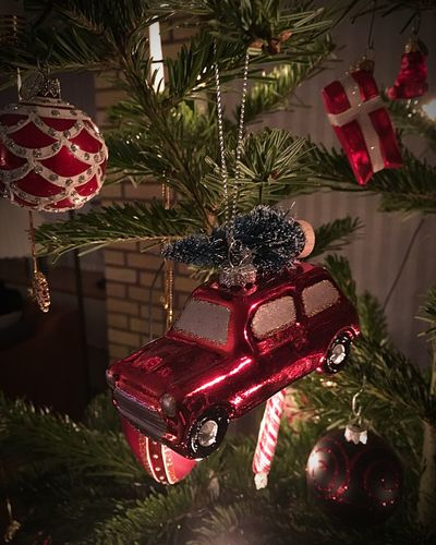 HOME FOR CHRISTMAS Red Car With Christmas Tree Home For Christmas Denmark 🇩🇰🇩🇰🇩🇰 Christmas Christmas Tree Christmas Decoration Celebration Decoration Tradition Christmas Ornament Hanging Tree Indoors  Holiday - Event Christmas Lights Red Bauble No People Christmas Present Close-up Vacations Illuminated