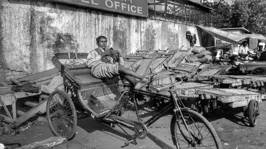 Taking Photos Mybestphoto2016 Streetphotography_bw This Week On Eyeem Streetphoto_bw Rickshaw Puller