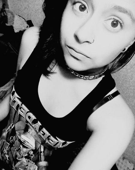 Se deja de sentir amor y el odio se convierte en todo. SuicideGirls Megadeth Pale Tumblrgirl Darkness Summertime Sadness Grungegirl Tumblrphoto Sad And Depressed  Grunge