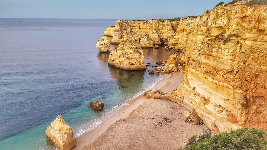 PRAYA DA MARINHA IN LAGOS, THE ALGARVE, PORTUGAL