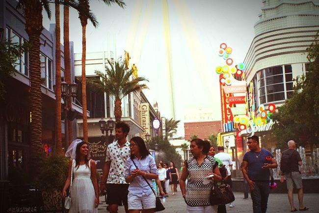 Pixxzo Streetphotography Las Vegas Sony A6000 Make Magic Happen Enjoying Life Neon Vegas Baby Just Smile  Wedding