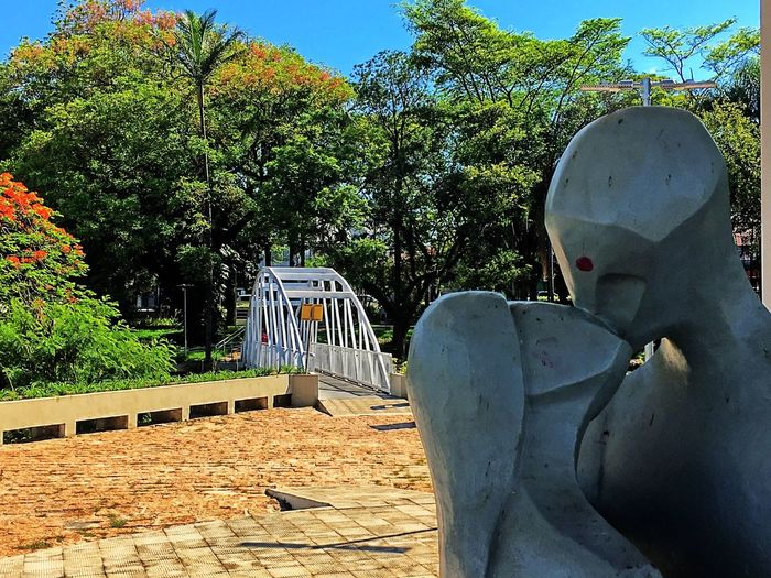 The lovers and the bridge of the passion in Salto-Brazil Statue Sculpture Brazil Memorial Do Tietê Eyeemphotography Historical Place Bridge Outdoors Traveling Brazil