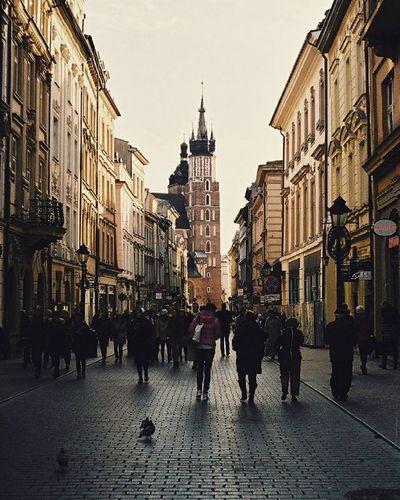 Cracow Florianska Analogue Analog Film Filmshooters Filmphotographer 35mm Fuijfilm Praktica Street Analoguephotography Kościół Mariacki Church Lubiepolske Loves_Poland Art Photooftheday