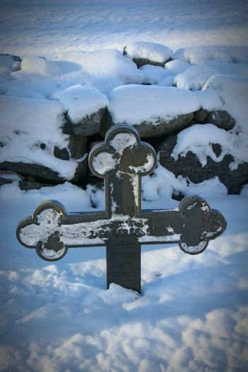 åkersberga Sweeden Cimetery Cross Snow Cold Hello World