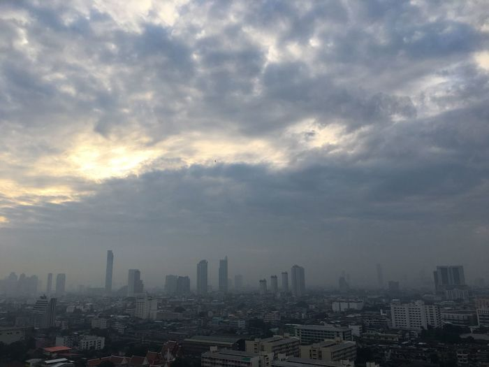 #cloud #EyeEmSelects #Bangkok #Thailand #clouds  #beautifulnature Cloud - Sky City Building Exterior Architecture Built Structure Sky Cityscape Nature No People City Life Tall - High Outdoors Urban Skyline Building Landscape Skyscraper