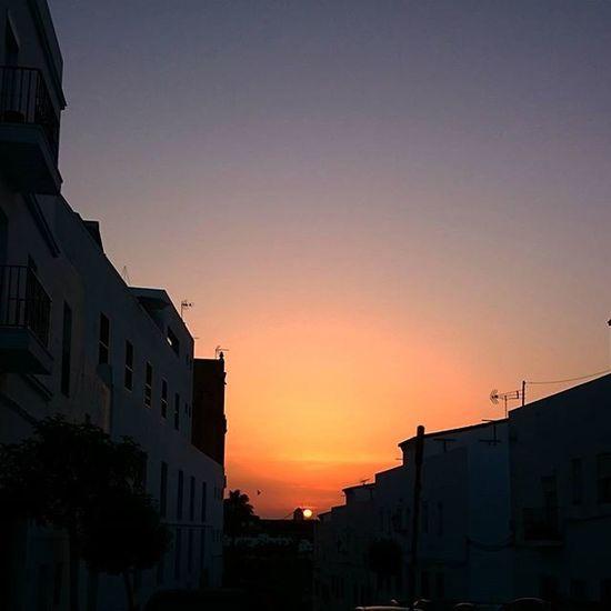Atardeceres en Conil con @vichuelo_jr 🐵 Te quiero monillo precioso Conil Cadiz Sunset Sky SPAIN
