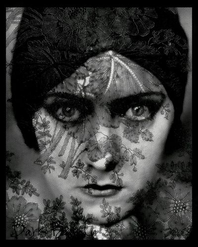 What Are You Watching? Gloria Swanson in Sunset Blvd She was amazing in this film and countless other pictures. Old Hollywood