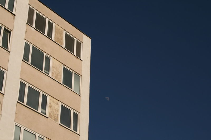 Next to the moon 🔛 Block Of Flats Flats Moon Moon Light Sky Sky_collection Sky_collection From My Point Of View Urban Geometry Urbanphotography