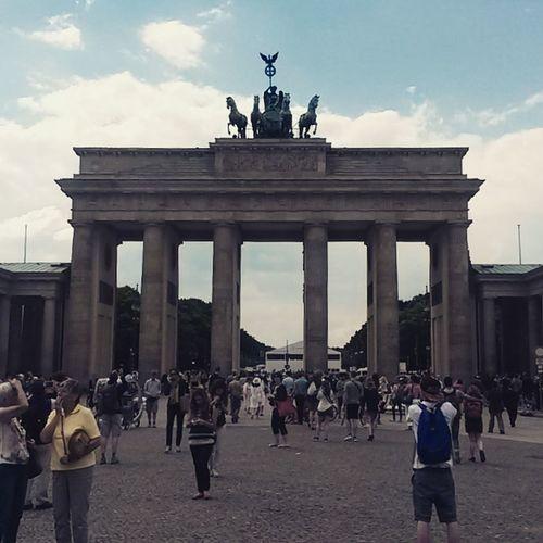 Taking Photos Germany Berlin Beautiful Building Historical Monuments Monument Brandenburger Tor Brandenburg Gate Porte De Brandenbourg