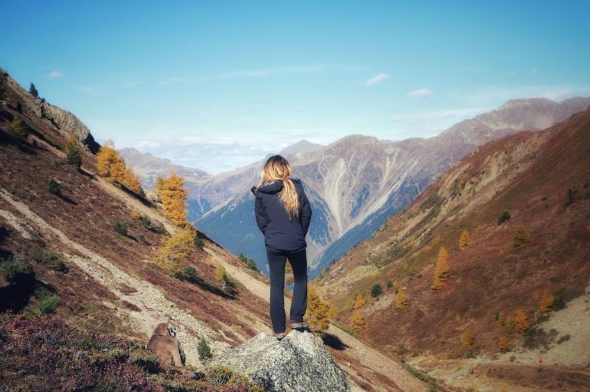 One Person Adult Adults Only Rear View Mountain Hiking Standing People Real People Photography Themes Full Length Sky Autumn Outdoors Photographing Woman Mountain View Mountains Travel Destinations Nature Beauty Autmn Landscape Globetrotter Beauty In Nature Day Wanderlust Summer Exploratorium