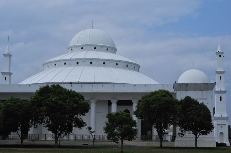 bengkulu mosque Tree Politics And Government Dome Business Business Finance And Industry Storm Cloud Point Of View Industry Sky Architecture Architectural Feature Office Building Architectural Design Architecture And Art Skylight Buddhist Temple Architectural Detail Temple Building Tall - High Place Of Worship Tower Building Feature Radar Cathedral Settlement Spire
