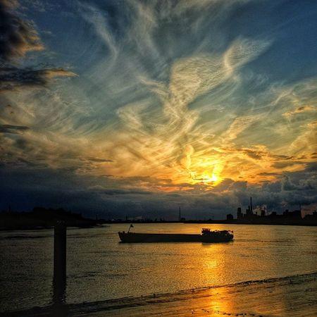 Instantwerpen Antwerp Antwerpen Sunset Schelde Riverscheldt Boat Portofantwerp Belgium Clouds