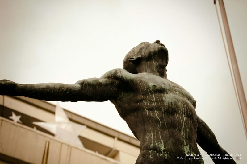 UP Oblation statue. One of the landmarks found in UP diliman. Eeyemphilippines Statues Updiliman Landmark University