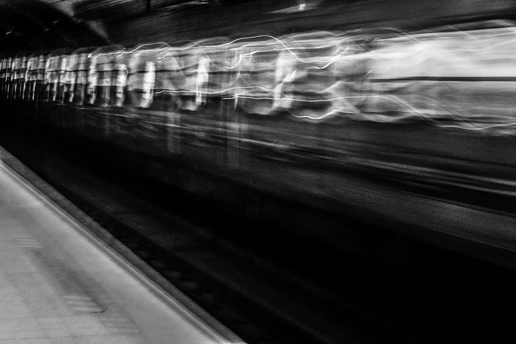 Transportation Train - Vehicle No People Blanco Y Negro Black And White Luz Indoors  Subway Train Transportation Shadow Subte Subway Let's Go. Together.