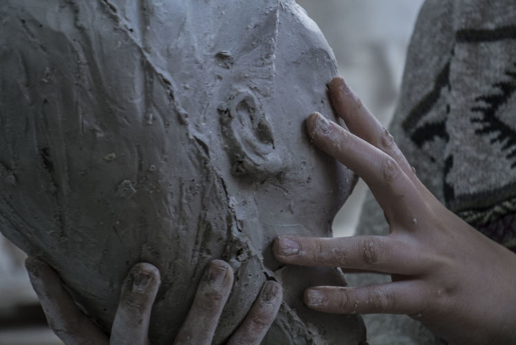 Work Art And Craft Art School Body Part Carving - Craft Product Close-up Craft Finger Focus On Foreground Hand Holding Human Body Part Human Finger Human Hand Human Representation One Person Real People Representation Sculptor Sculpture Statue Unrecognizable Person