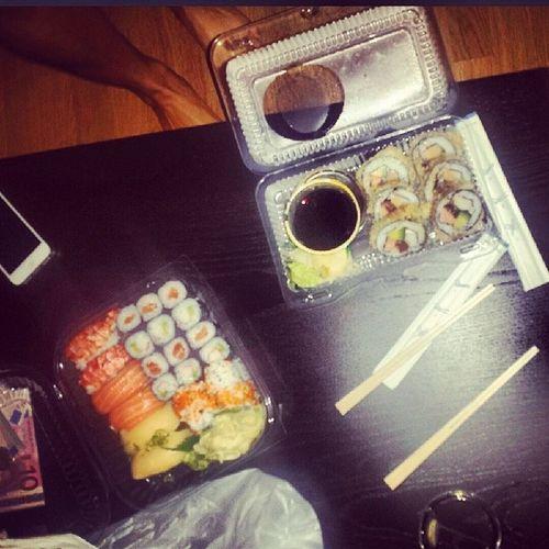Sushi Bestellen Nachts Um10 :40ichwerdfettnooooooooxD