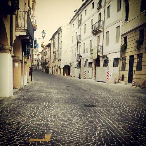 Vicenza Nessuno Deserto Gnancaelcan instaitaly instagramitalia igersvicenza igersveneto igersitalia instadaily instago