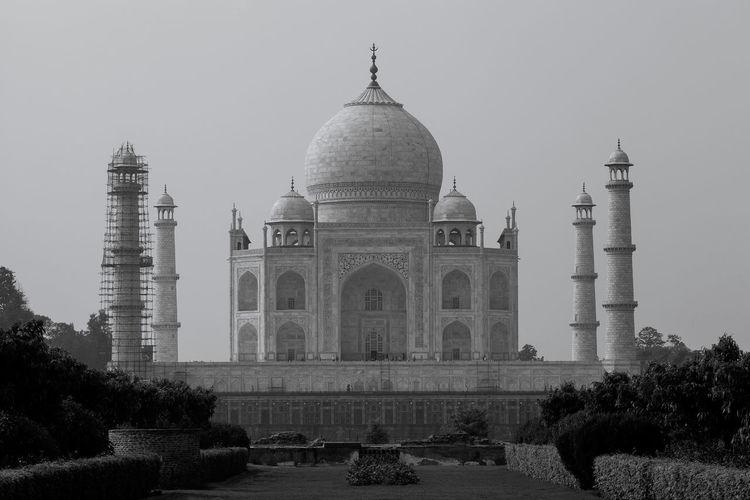 Facade of taj mahal against clear sky