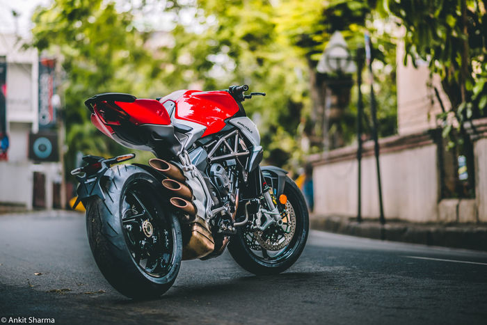 When people spend years, months, days, minutes and seconds of their life on motorcycles, machines like these are born. Automobile Beautiful India Love Machine Motorcycle Nikon Red Transportation Bike Italy Mvagusta Nikonphotography Passion Photography Superbike Twowheels