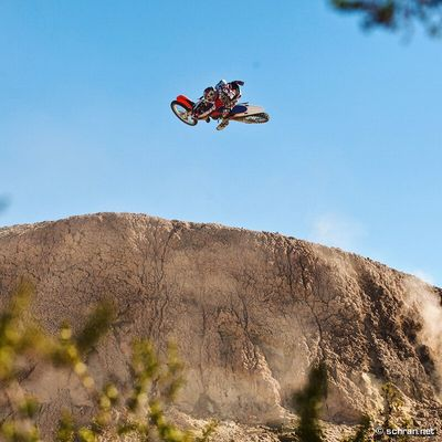 Dezember is one of the best times to ride #ocotillo. Around 5 years ago I had the chance to go with the #goodfather of #fmx and it was a blast to see Mike Metzger in the natural terrain he crew up riding. Together with Mat Mougel from Faction Audiovisual we filmed the #metzger´s part for our documentary #thatstheway. If you want to see this natural quarter hit as a moving image visit: thatstheway.tv and check out the trailer. In case you want to order a DVD, just let me know (comment or PM me)... i have a few left and would give them away real cheap. Could the best #xmas gift for a real #dirtbike fan.