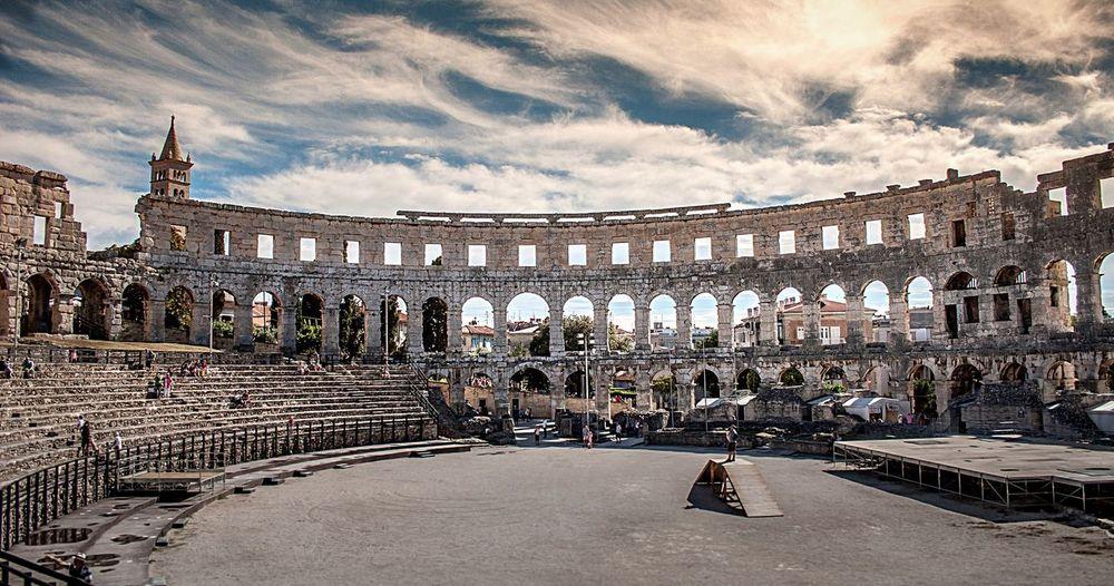 Colloseum Amphitheatre Amphitheater Pula