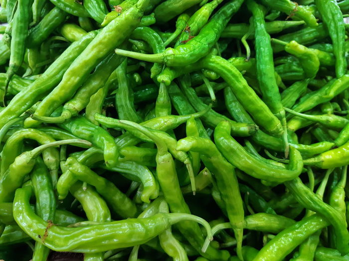 Food Green Color Full Frame Chili Pepper Market Close-up Freshness Green Chili Pepper