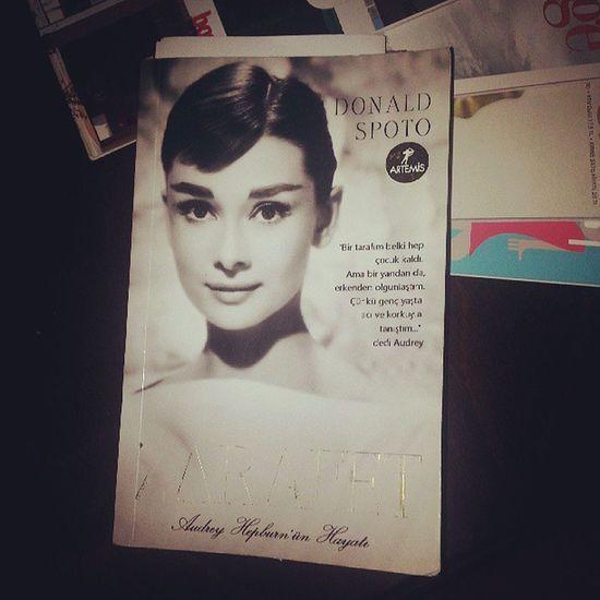 Donaldspoto Audreyhepburn Grace Biography zerafet memoir book bookworm gece gece uyku tutmayinca!