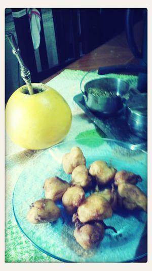 Mates de pomelo y buñuelos con la nona :3