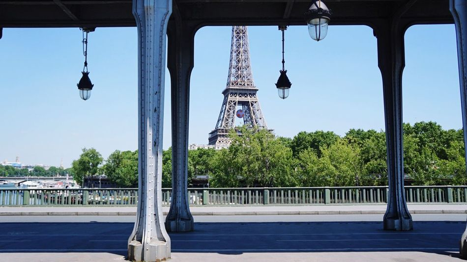 Pont De Bir-hakeim Eiffel Tower Paris France