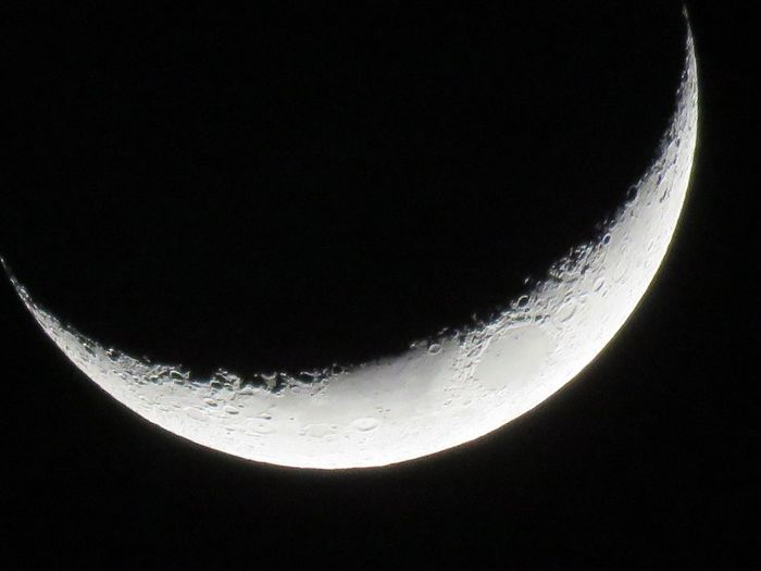 """Moon JustGPhotos EyeEm Best Shots - Nature Moon Shots Nightlight Moon Craters Moonlight Luna. Our Moon, Called Luna By The Romans, Selene And Artemis By The Greeks, And Many Other Names In Other Mythologies. Selene Artemis it is the second brightest object in the sky after the sun. Due to its size and composition, the moon, is sometimes classified as a terrestrial """"planet"""" along with Mercury, Venus, Earth, and Mars."""