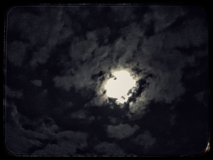 Full moon behind the clouds ☁️ Sky Cloud - Sky Tranquil Scene Tranquility Scenics Beauty In Nature Cloudscape Cloudy Sky Only
