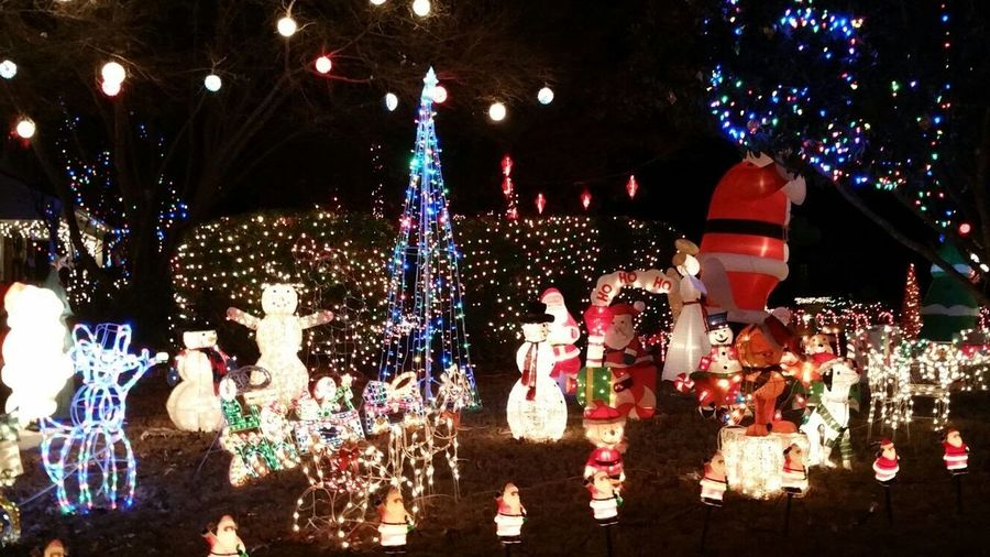 Holiday Moments City Crowd Illuminated Christmas Decoration Multi Colored Christmas Lights Christmas Celebration Holiday - Event Arts Culture And Entertainment