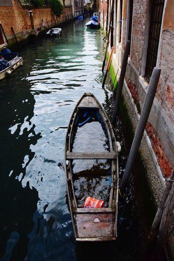 Venice Italy Bpat Channel Sinkingboat