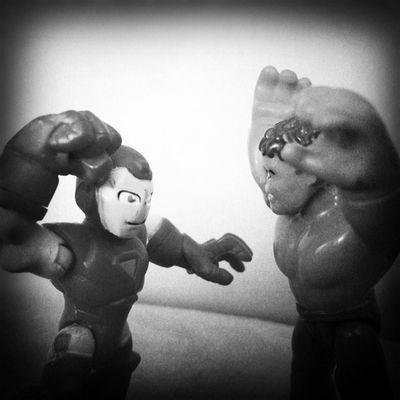 A briga do século!!! 👊 Toy Toyphotography Toys Actionfigure collection toystagram hipstamatic