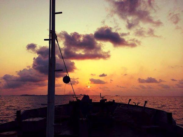 Sun Set Enjoying The Sun Taking Photos Maldives